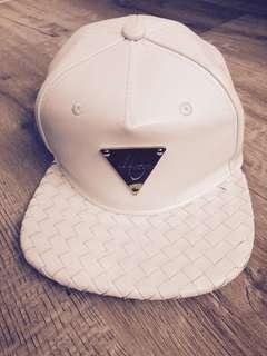 🚚 authentic white hater cap
