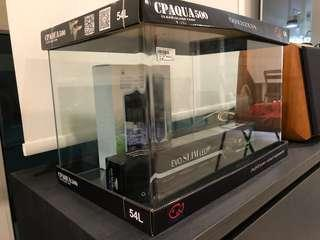 🚚 Brand new 50x32x34 clear glass tank (curve front) + light + internal filter