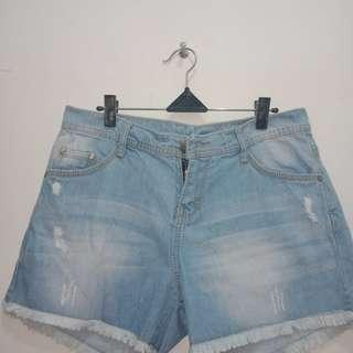 Celana hotpant Rumbai size 27, 28