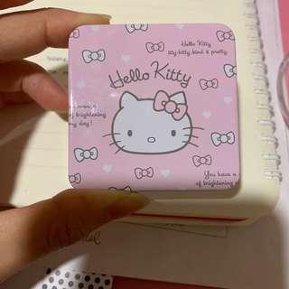 🚚 Solone眼影Hello kitty