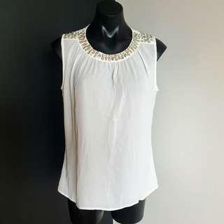Women's size L 'LULUMARI' Gorgeous white sleeveless top with sequins neckline - AS NEW