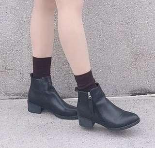 黑色靴子短靴拉鍊女鞋