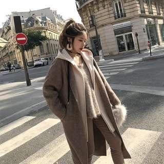 ◈冬季中長款過膝拼接羊毛呢大衣連帽外套(咖拼米白)