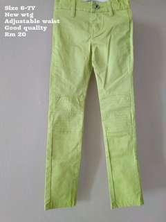 Girl 6-7Y pant new with tag