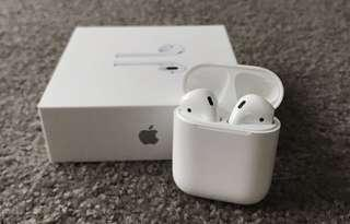 AirPods , 99% new with apple warranty
