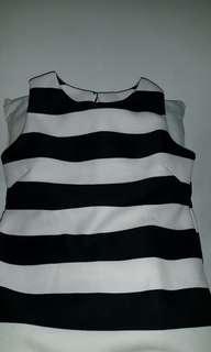 Atasan Black & White