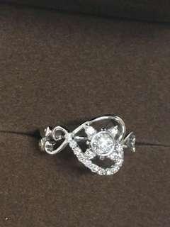天然鑽石主鑽20分+配鑽45分 心鑽造型鑽戒