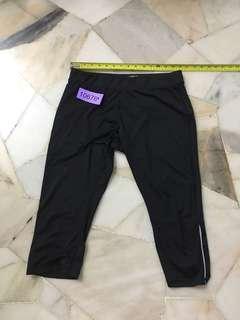 Target 3/4 pant size 16 no 10676