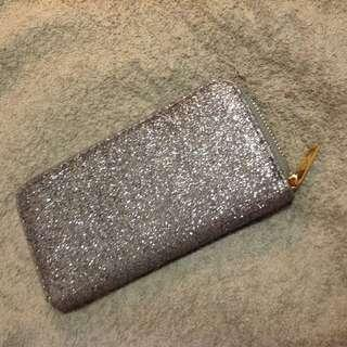 Silver zipped long wallet