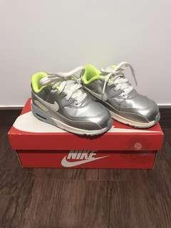 🚚 Nike Air Max boys shoes
