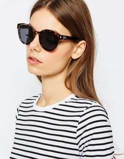 🚚 Le Specs Exclusive Paramount Polarised Sunglasses in Charcoal Tort