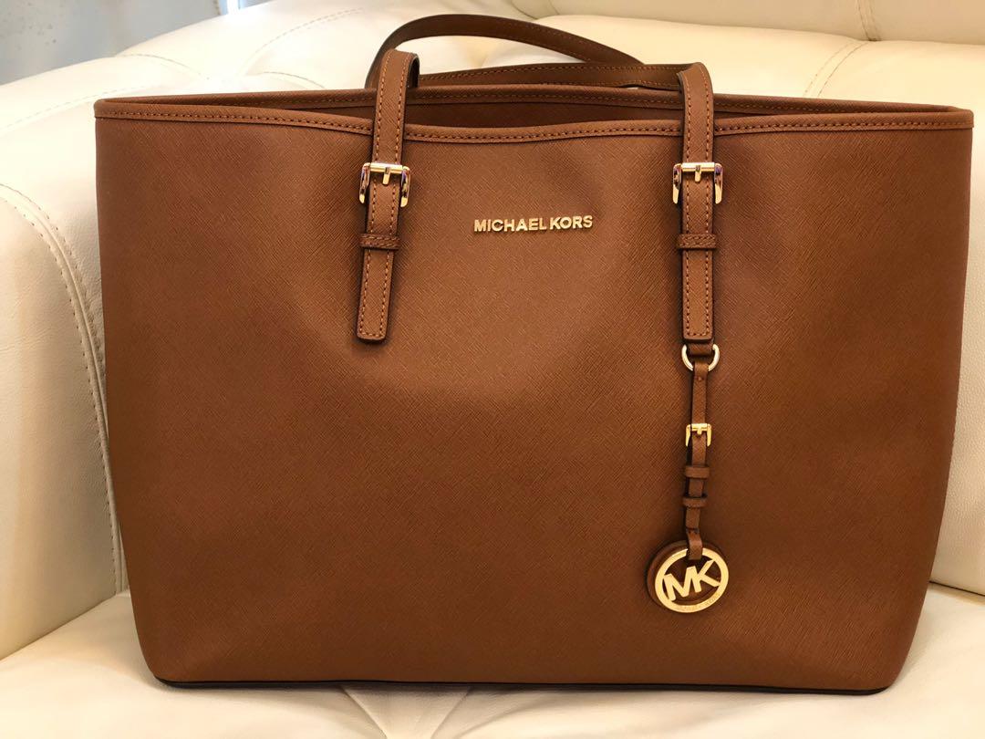 ad247ab184d6 Authentic* Michael Kors Jet Set Travel Tote, Women's Fashion, Bags ...