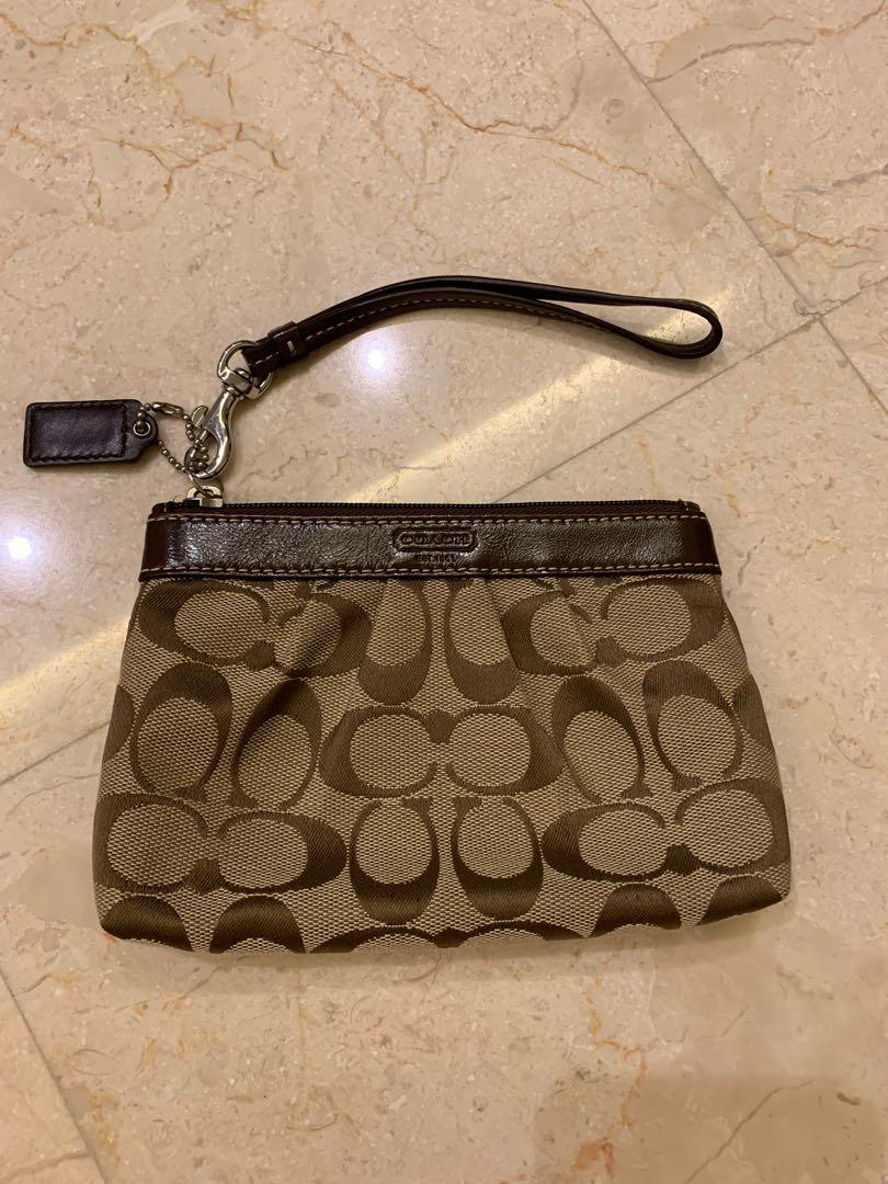 0103f6a258 Coach Wristlet, Women's Fashion, Bags & Wallets, Clutches on Carousell