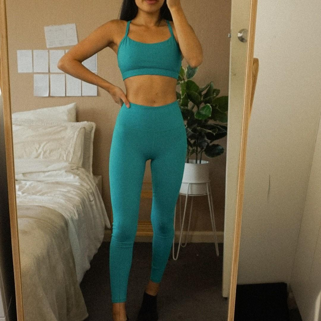 Fabletics Emerald Green Matching Set Bra and Tights