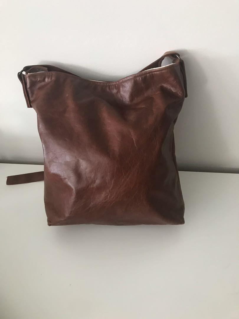 Grace Design Leather Tote Bag - crossbody - excellent condition
