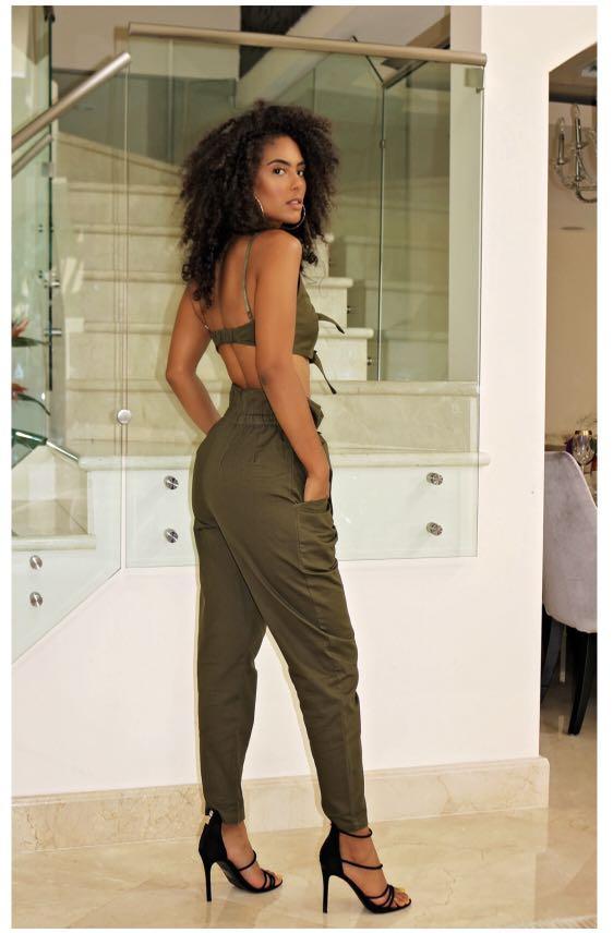 Khaki buckle crop top pants set