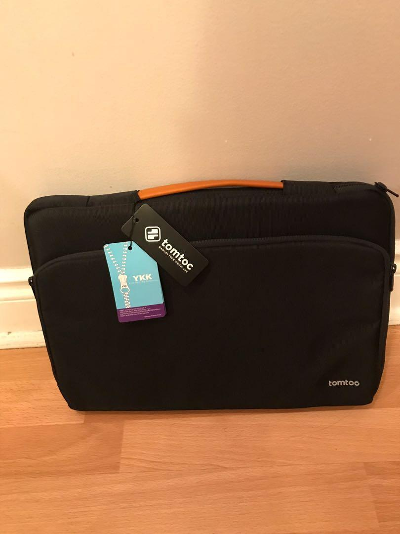 Laptop sleek bag with extra pockets for cable,mouse, etc