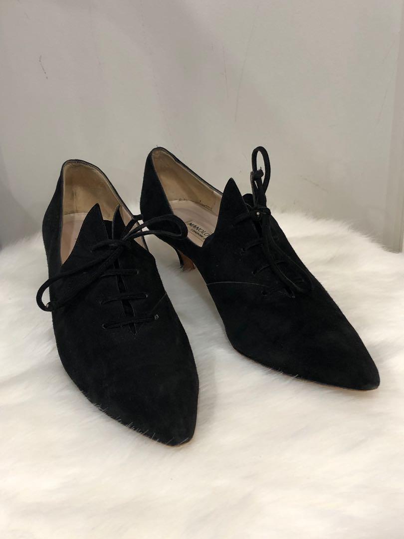 Manolo Blahnik black suede pointed toe kitten heel