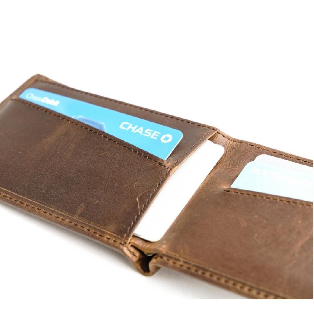 Minimalist Slim Wallet RFID blocking - Andar Ambassador in Saddle Brown