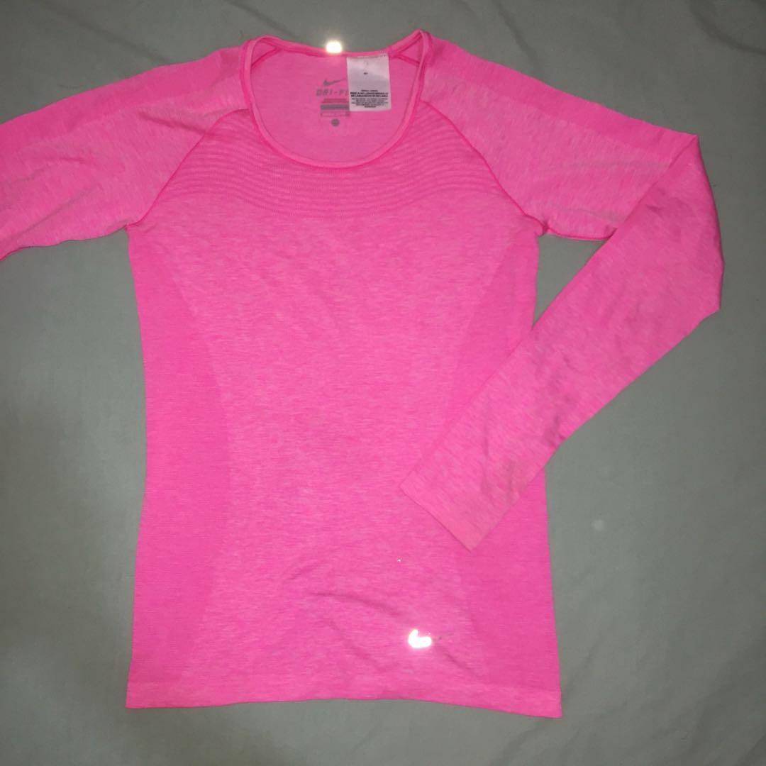 Nike dri fit (atheletic shirt) murah!