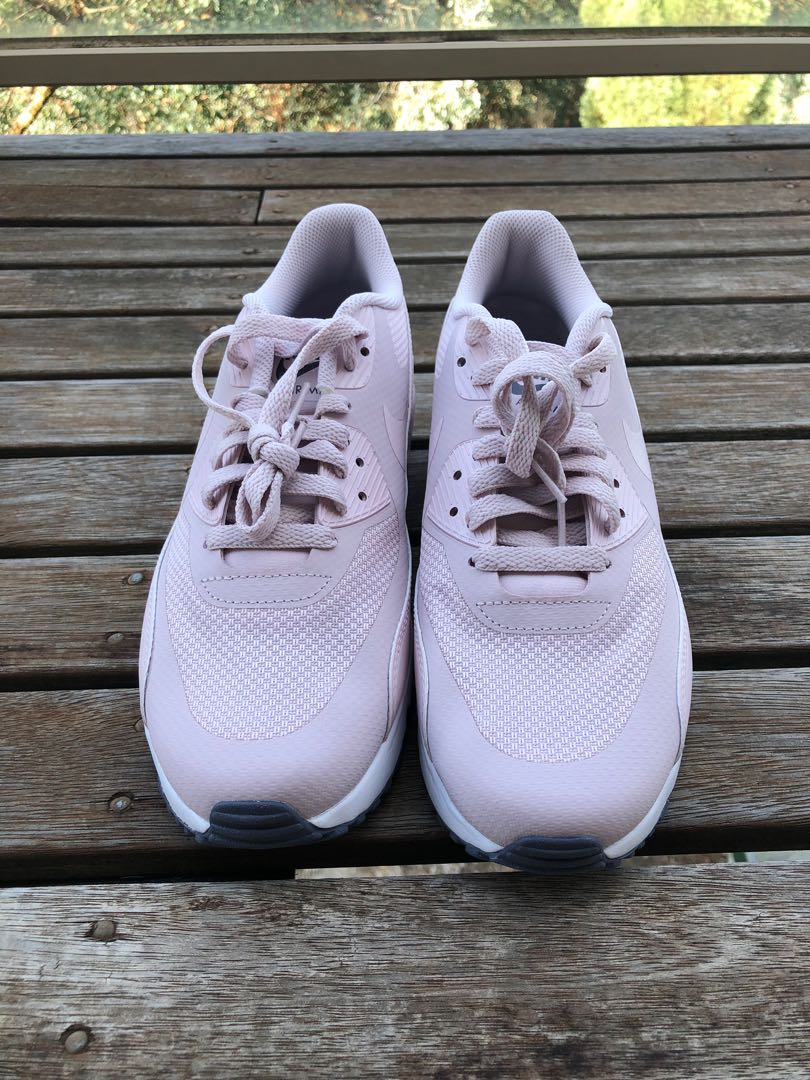 new styles 8ff39 cb439 Pink nike air max 90's, Women's Fashion, Shoes on Carousell