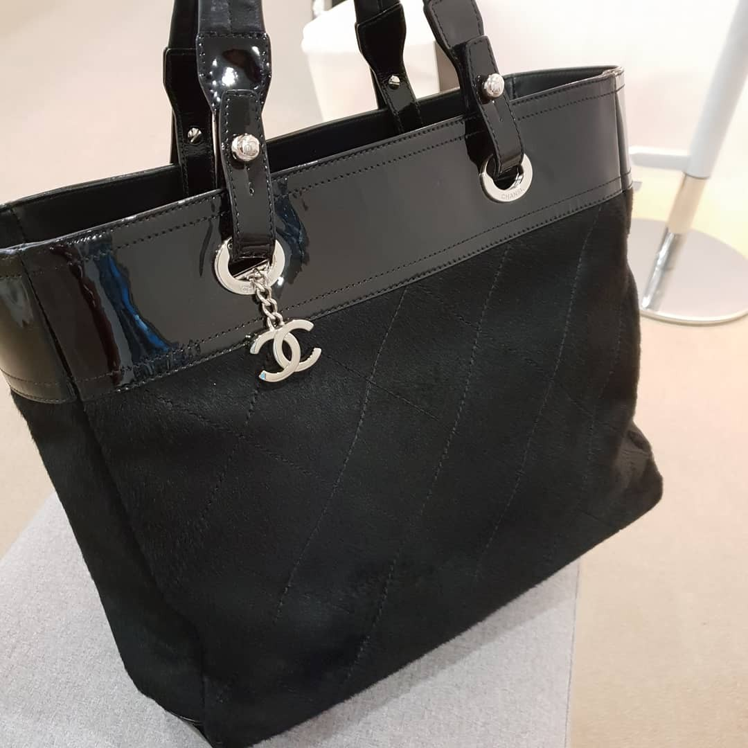 e7d4fc47402f Preloved chanel pony hair tote bag, Luxury, Bags & Wallets, Handbags ...