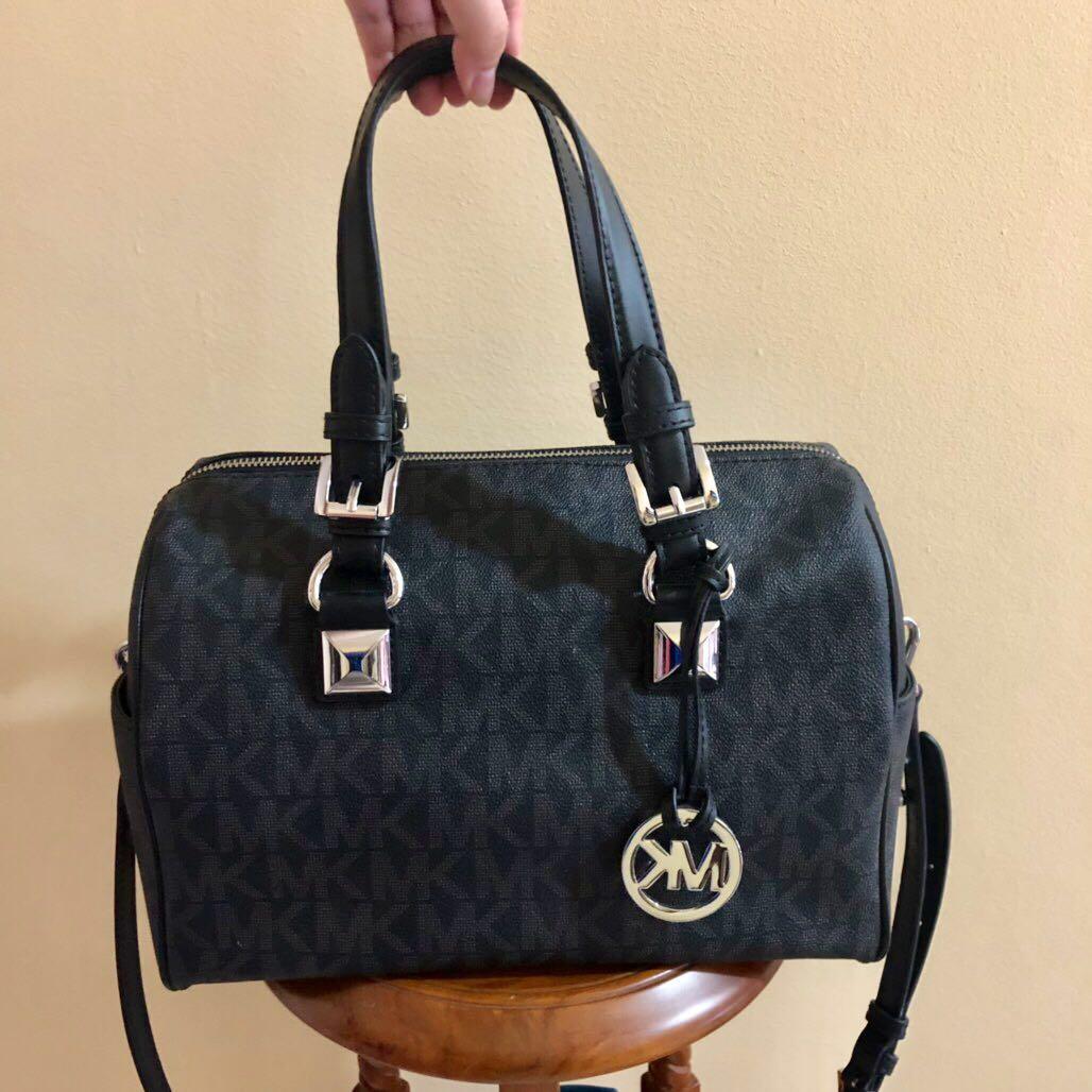b0e2f71a4df1 Preloved Michael Kors Grayson Black Medium Original 100%