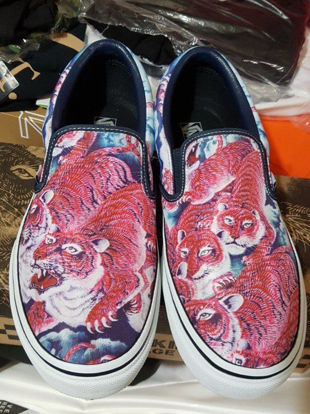 2bfdd82ad9 Reduced! Vans x Rollicking slip on Pink Tigers US10.5