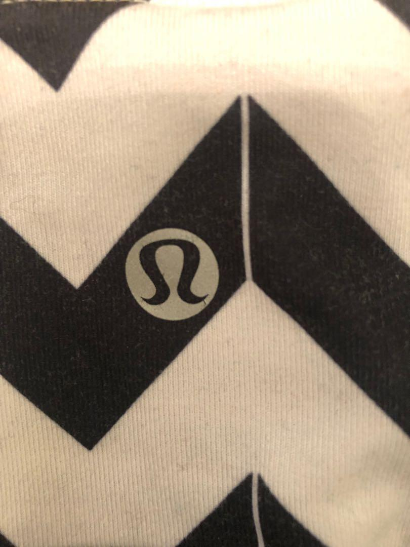 Reversible black lululemon workout shorts