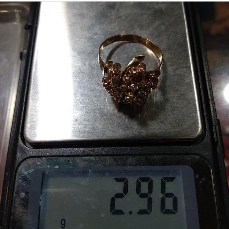 Sale cincin kipas batunya bening kilau kuat ya say, barang cantik say, beda sama batu yg lama