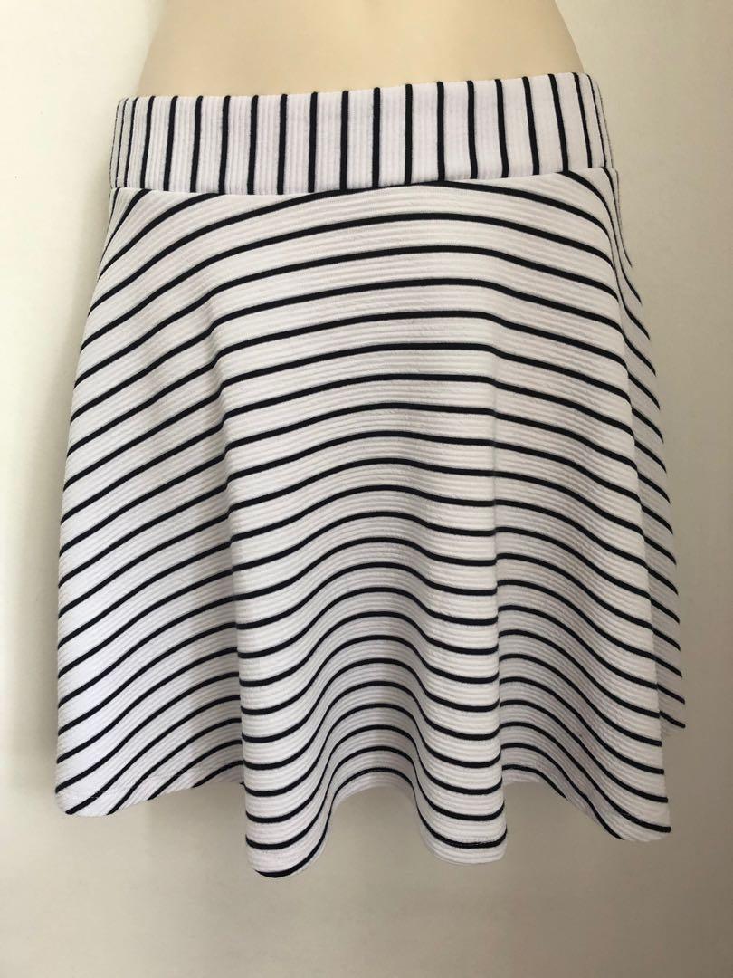 Sportsgirl skirt navy and white XS 6 8