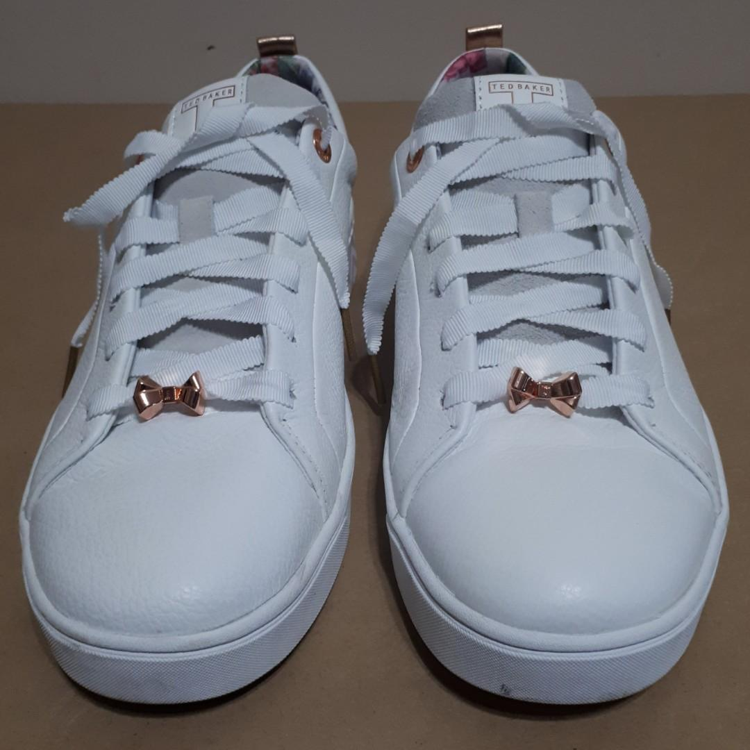 Ted Baker London Kelleip Leather Sneaker Size 10US