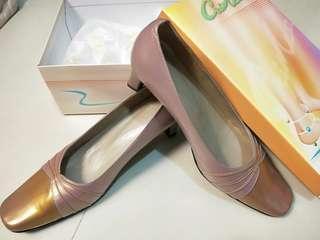 🚚 粉金色氣質真皮女鞋 41號大尺碼