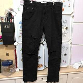 襯Yeezy 破洞黑色窄身9分牛仔褲 black denim jeans pants