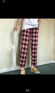 🚚 紅色格子褲