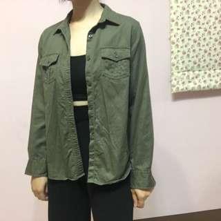 🚚 Lativ軍綠外套襯衫