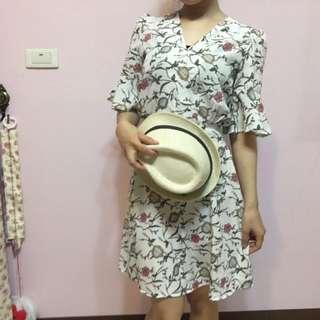 🚚 韓國花朵洋裝