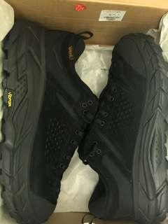 Hoka One One Tor Ultra Low Black jp