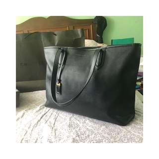C&K Large Black Bag with Laptop Compartment