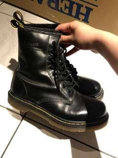 Dr.Martens 1460  馬汀 8孔靴硬皮