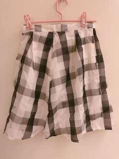 格子及膝裙