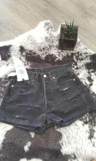 Nee with tags - Levi's vintage 501 shorts size xs