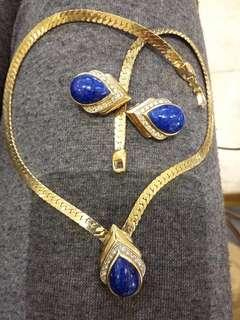 Lapiz lazuli gold plated set with velvet pouch or nice box