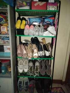 Assorted preloved shoes