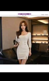 🚚 White mini bodycon dress