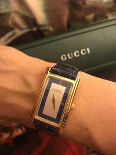 Gucci 經典vintage (原裝藍色真皮皮帶)手錶 100 real 85%new