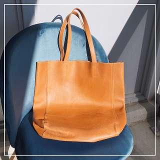 *Perfect Condition* Minimalism Style Genuine Leather Tote in Tan
