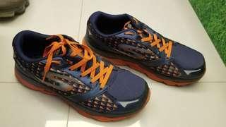 舊跑鞋 US10