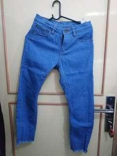 Celana Jeans Attic Biru Tropical Size 26-27