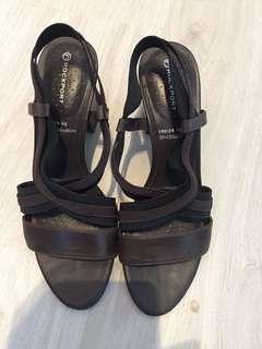 Rockport brown leather heel sandals u.p above S$150